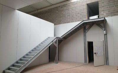 Escalier hall industriel